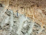 EUGAL: Lausitzer Überschiebung in Niederau-Gohlis. Älterer Granodiorit über jüngeren Sedimenten der Elbtalkreide