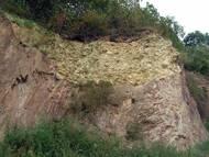Rhylolithgerölle in einer der unteren Brandungstasche am Kahlebusch, 2005